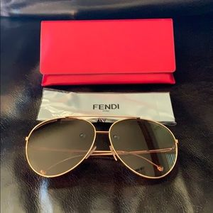 Fendi aviator sunglasses 63 mm